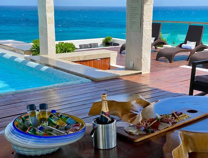 Total Luxury Oceanfront Suite in Isla Mujeres!