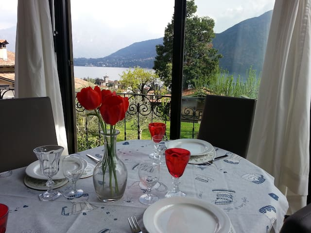 The lake of Como-beautiful view on the lake2/4 p. - Azzano