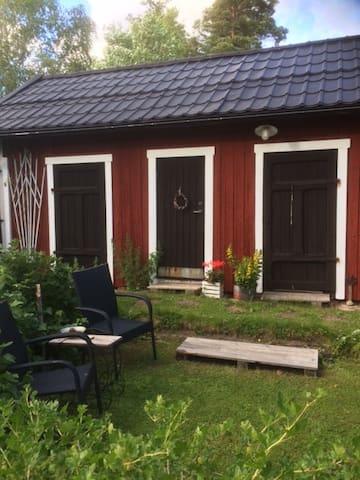 B&B på landet mitt emellan Stockholm och Nyköping