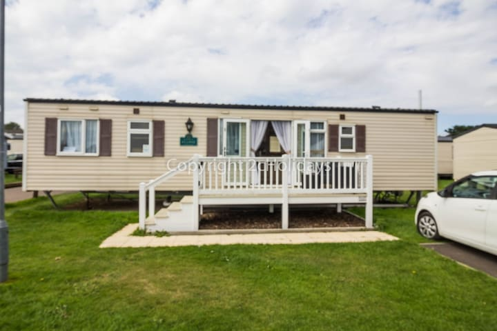 3 Bed, 8 Berth. 30062 Filby area,