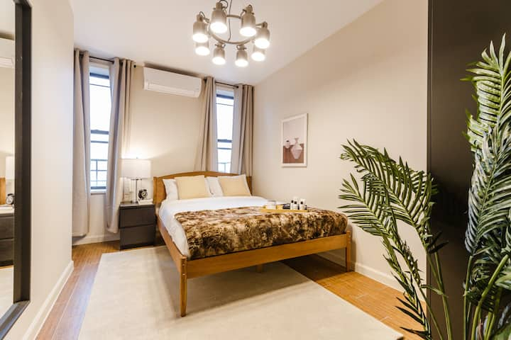 Spacious Lower East Side Bed in Furnished Home