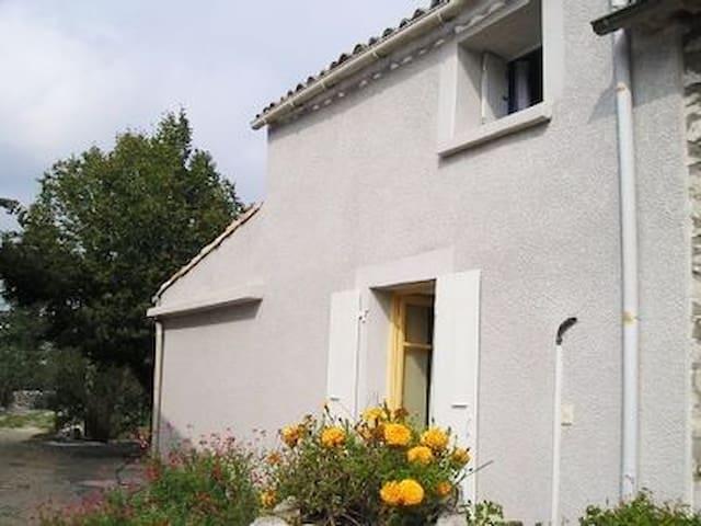 Maison idéalement située - Ruoms - House