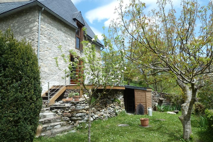 Authentic renovated  barn in Pyrénnées