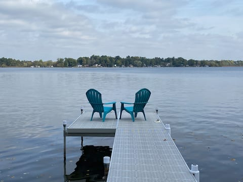 Amazing views from this Fine Lake cottage!