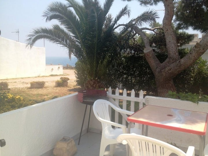 Precious Bungalow Only 50m Away Form The Beach