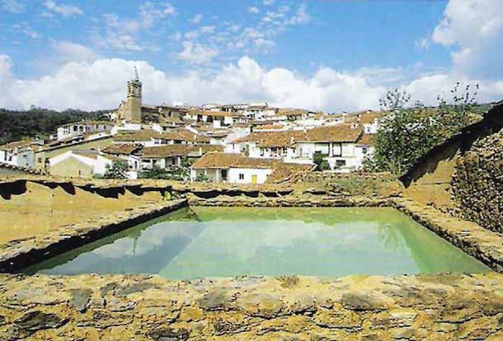 House El Zarzo de Nemesio, tradition & modernity. - Valdelarco - Casa