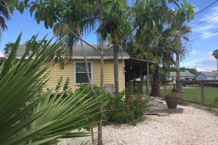 Driftwood Cottage-2 BR in Old Town - Port Aransas