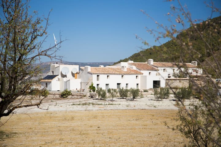 Joya: Artist & Writer's Retreat (Guest Room 2) - Vélez-Blanco - Pension