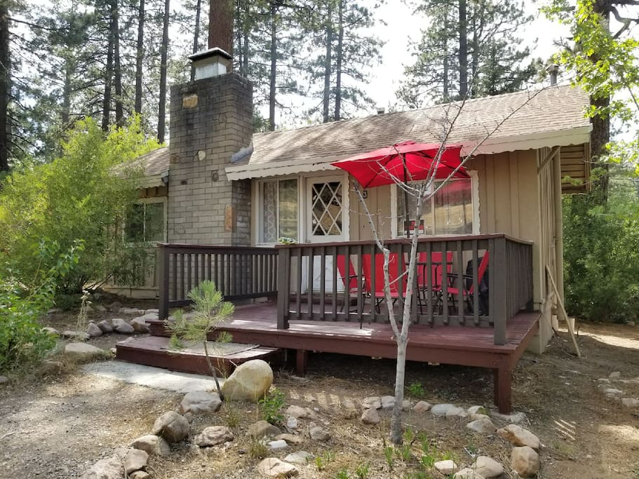 Cozy 2 bedroom cabin with a small stream running behind the cabin.