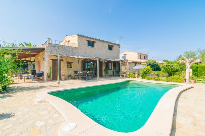 CAN BOQUETA - Beautiful villa with private pool and luxuriant garden. Free WiFi