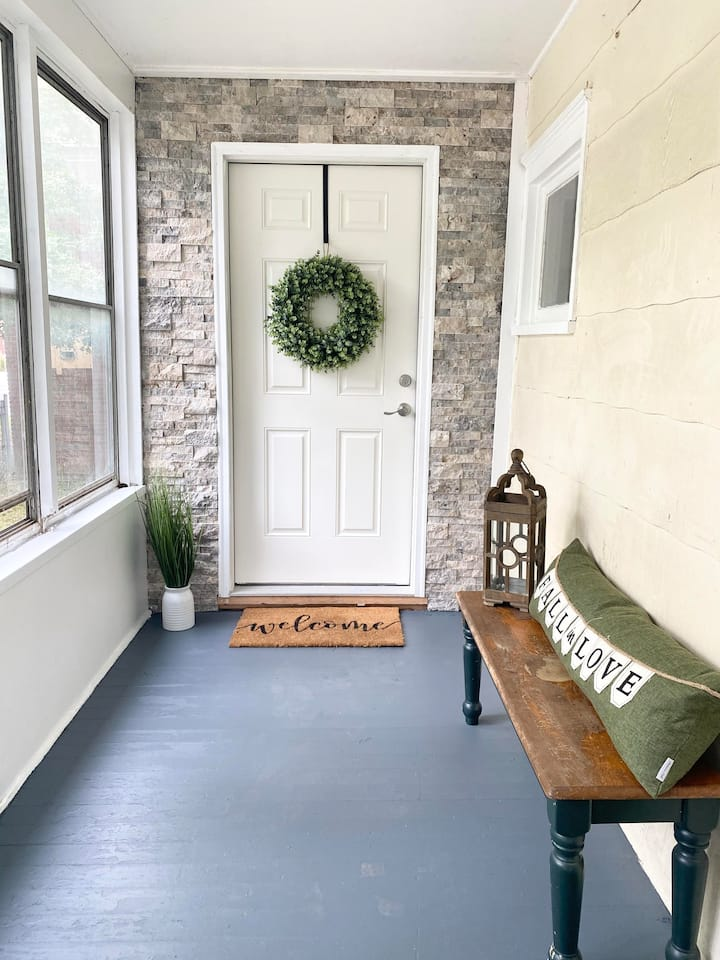 Downtown Ithaca 4 bedroom Home, newly renovated!