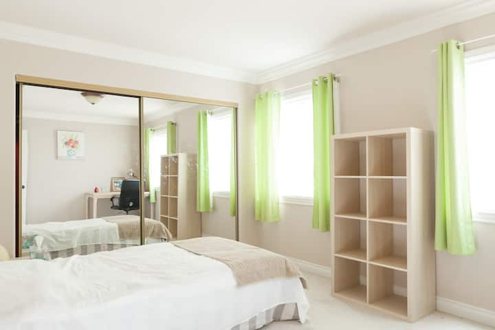 Sunny, Cozy&furnished Cute Room~