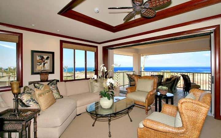 UH201-Wai'ula'ula Condo with Premium View. Resort Access!