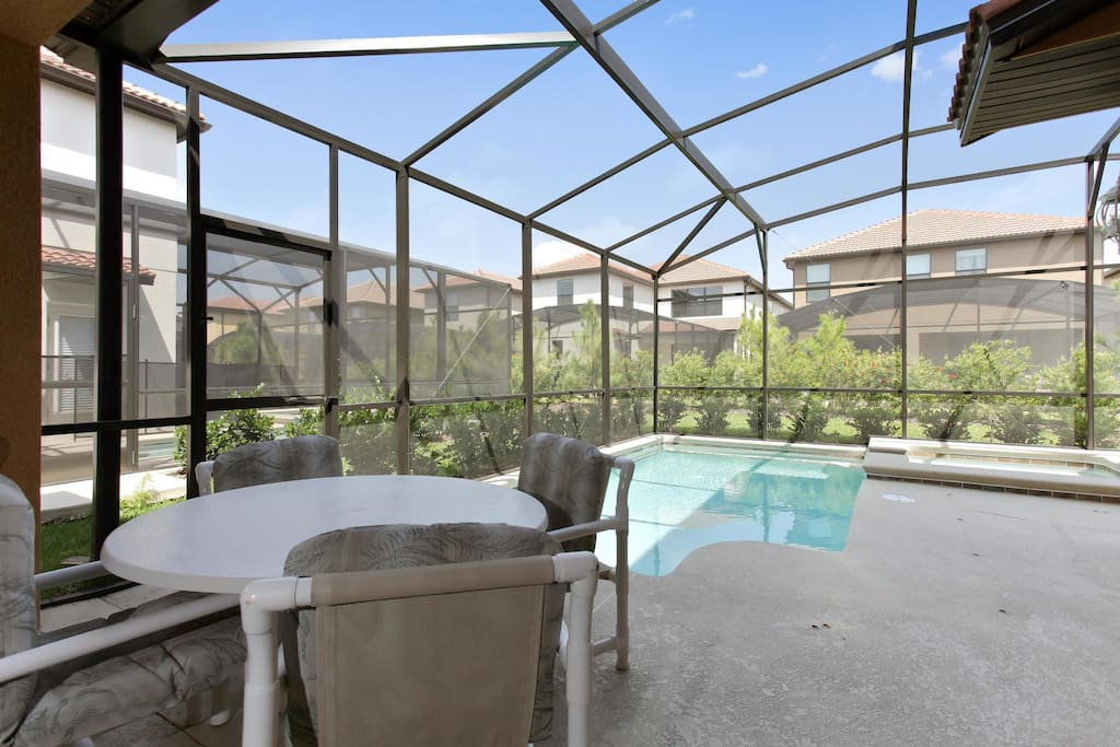 Enjoy the poolside table and make the most of your family time together while really getting to experience the Florida lifestyle.