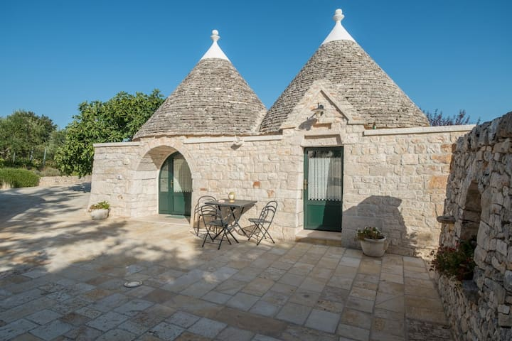 Corte Trullo with pool in an old farm