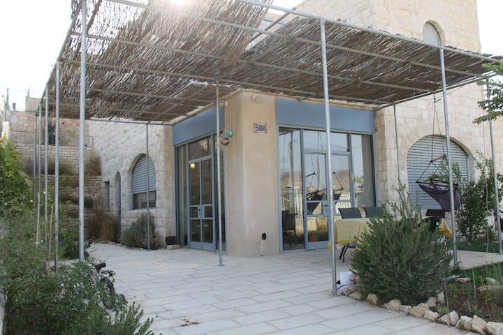 Herod's View Spacious Villa near Jerusalem