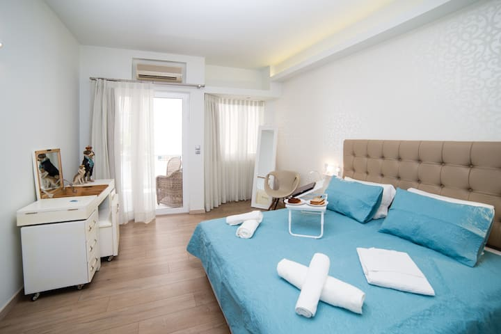 Classico - Stylish Studio in the City Center - Rethymno - Appartement en résidence