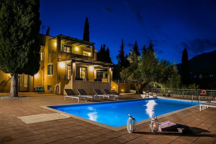 Phivos Villa, Exquisite Villa near Myrtos Beach