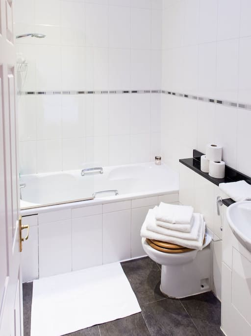 Master Bathroom with Cotton Towels