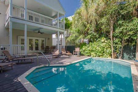 4/2.5 - Pool Home at Village at Hawks Cay 7222