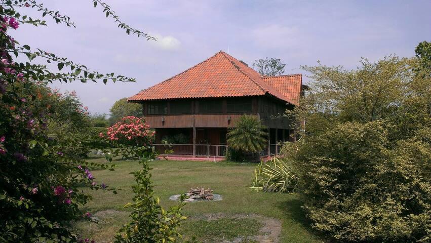 Casa campestre cerca del aeropuerto - Matapalo - Bed & Breakfast