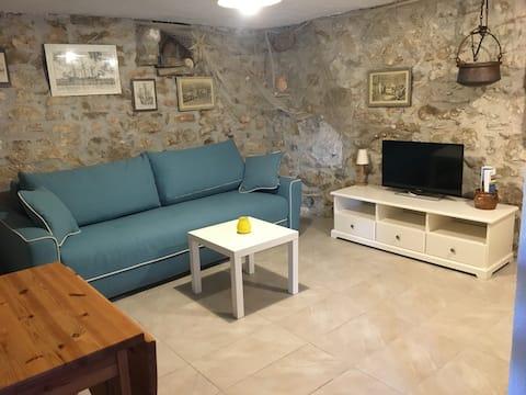 Last minute!! cosy studio apartment near the beach
