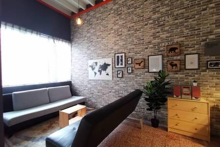 Budget Private Room C near Loh Guan Lye Specialist