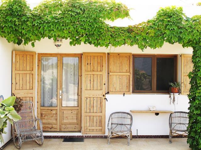 Encantadora casa ecológica con piscina privada