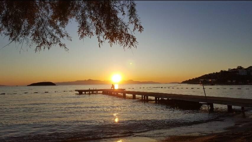 Dost Evi, Akdeniz'in maviliklerine ulaşma noktası.