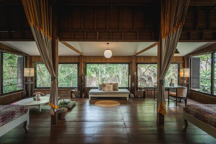 Meru Asia | Unique, Spacious Sanctuary | incl. BF