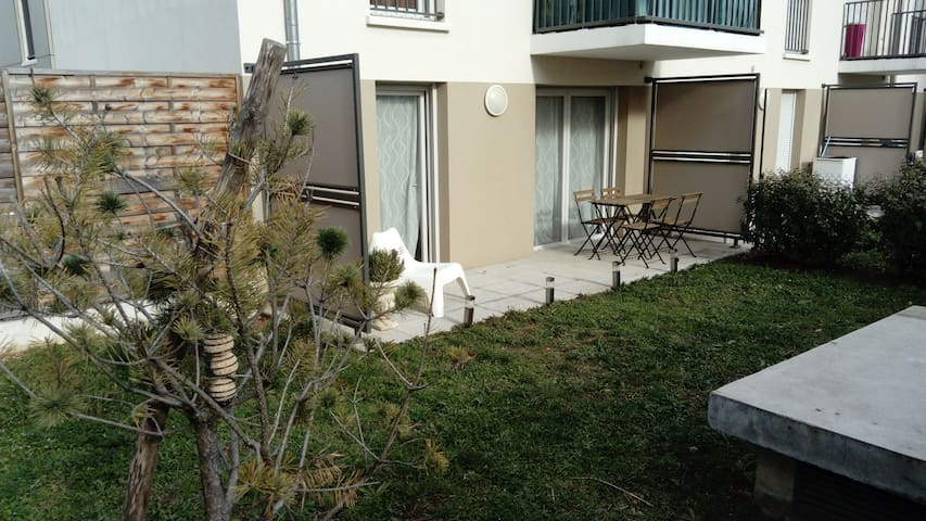 Appartement neuf 30m² + Parking + Jardin 70m²
