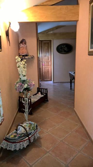 Couloir desservant les 3trois chambres