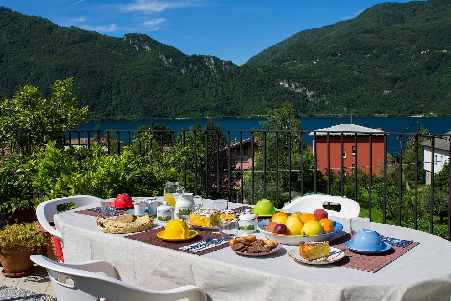 The Breakfast on the Terrace