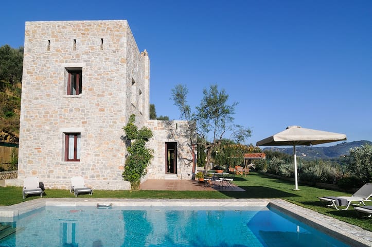 Ati Villa with pool near Gythio, Peloponnese