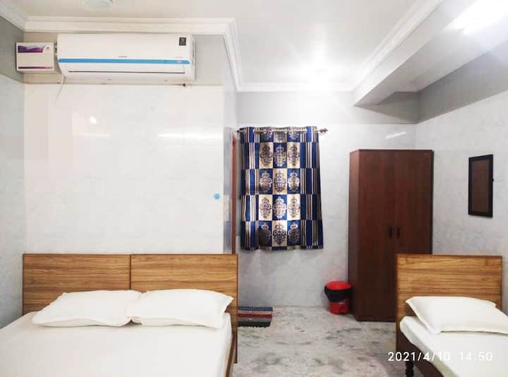 Free wifi,  Parking,  Air Conditioner, Tv channel