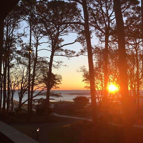 Keller's Kondo - Sunrise Water Views 2br/2ba