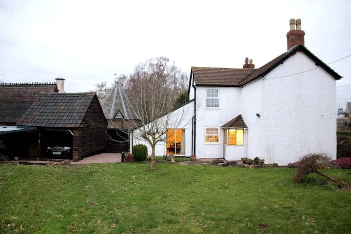 Damson House - relaxing garden home in Wye Valley
