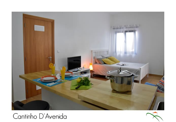 Cantinho D'Avenida - Apartamento (RRAL1749)