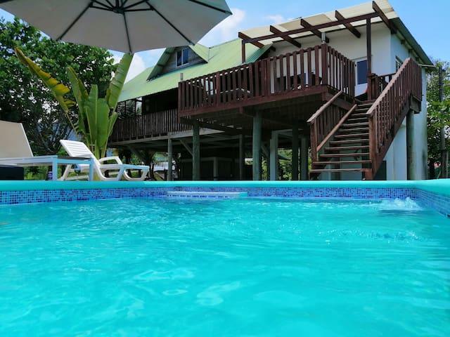 Acogedora casa de Playa en Masca, Omoa