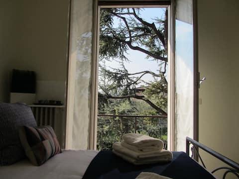 VILLA ICONI Lake Garda, Villa 5min walk from beach
