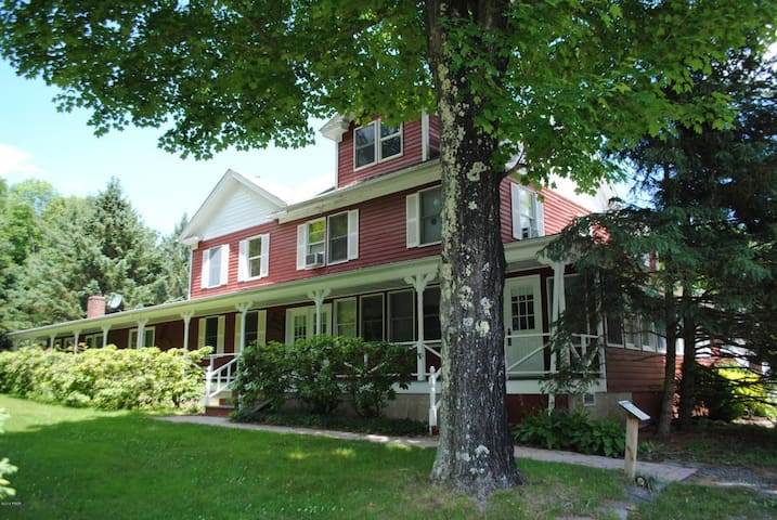 The Inn at Willow Pond - Main House - Honesdale - Dom