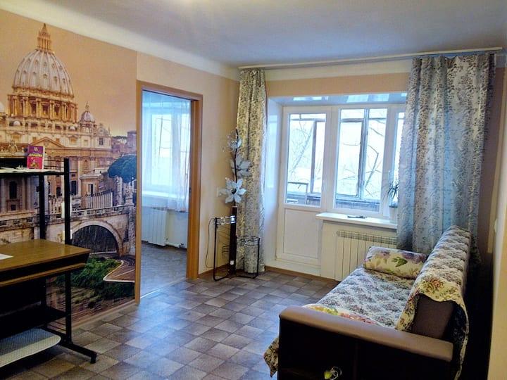Двухкомнатная квартира в центре Машгородка
