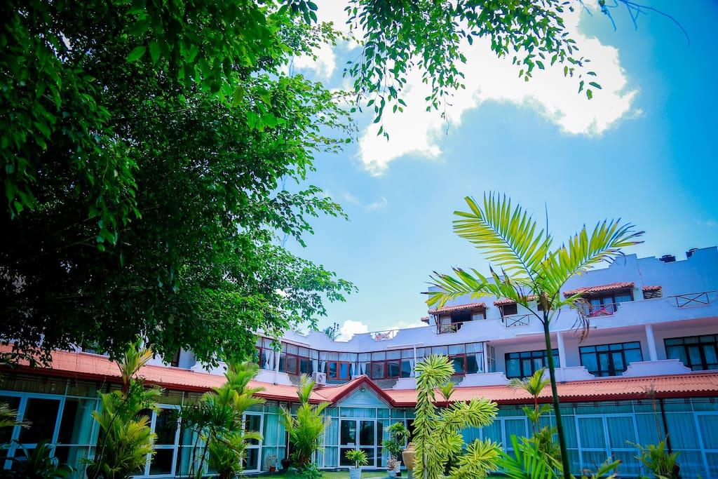 White House Hotel Kosgoda