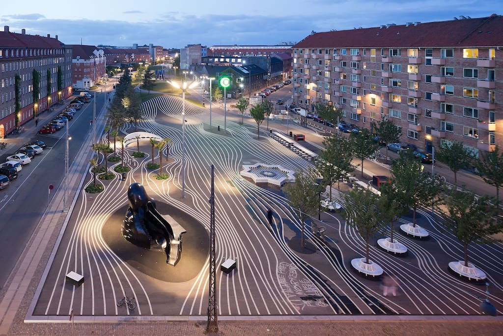 Den sorte plads - the black plaza - 2 min walk from the apartment