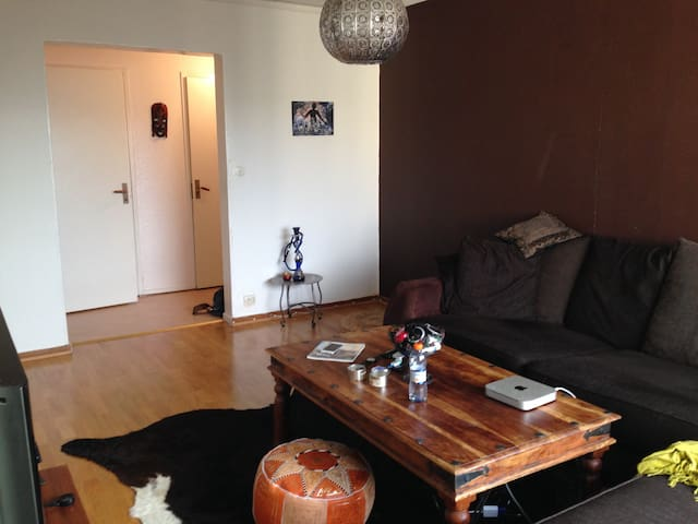 Charmig lägenhet i naturområde - 哥德堡 - 公寓