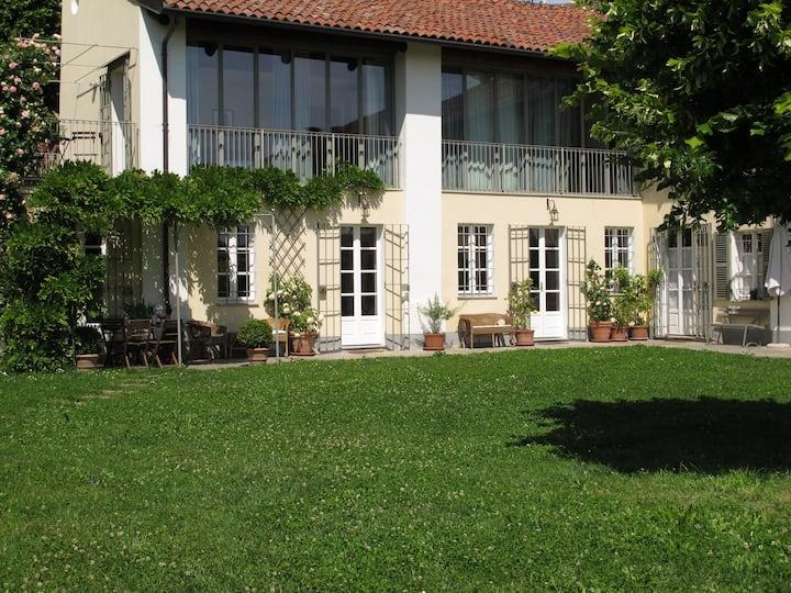 Casa con giardino sulla collina di Torino