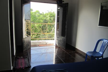 Double Room with Balcony - Krong Preah Sihanouk - Pension
