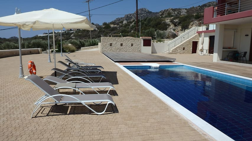 ANASA - VENUS apartment with pool at Ierapetra.