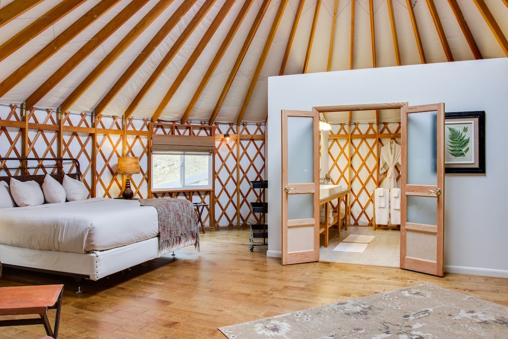 Light-drenched 30' Pacific Yurt