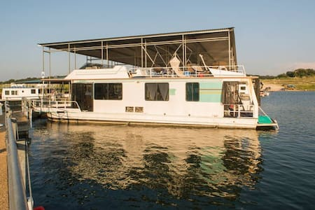 New listing! Fantstic House Boat at Lake Travis - Austin